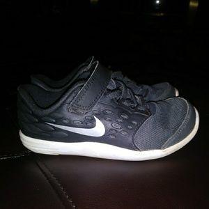 Boys Nike Stelos